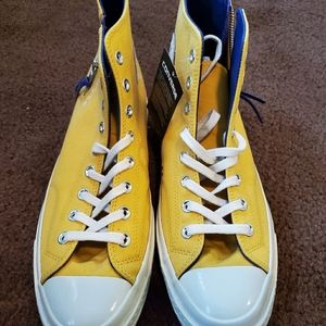 Converse lakers gym shoes